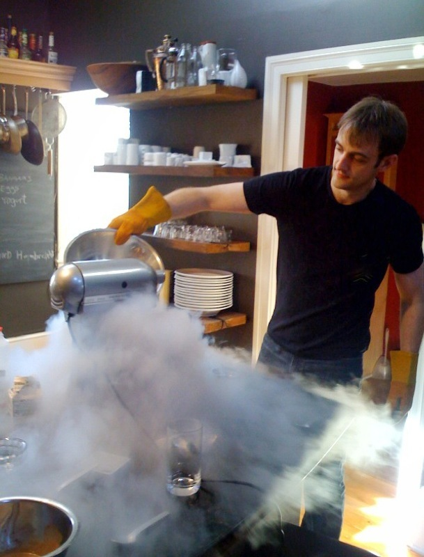Making ice cream with liquid nitrogen